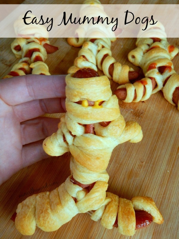 Easy Mummy Dogs
