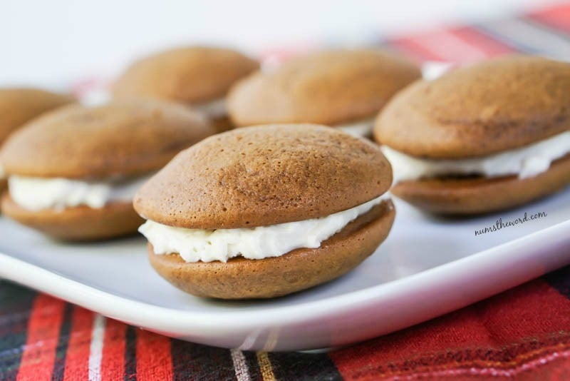 These Soft Gingerbread Whoopie Pies aren't difficult to make and ...