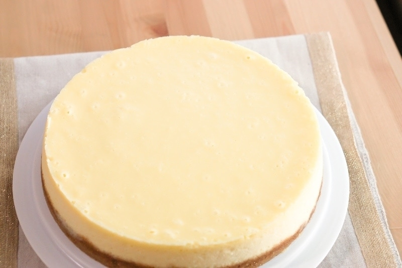 New York Cheesecake - perfect cheesecake ready to be eaten.